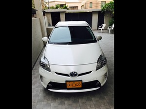 Slide_toyota-prius-g-touring-selection-leather-package-1-8-2013-16983127