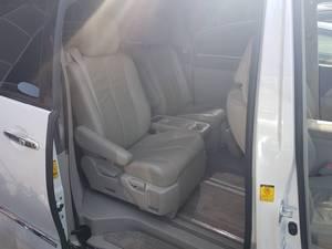 Slide_toyota-estima-aeras-leather-package-2011-17000683