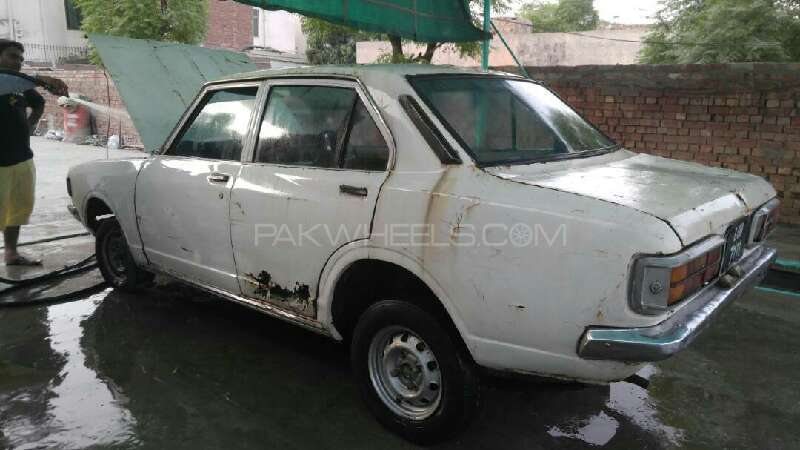 toyota corolla 1971 for sale in lahore pakwheels. Black Bedroom Furniture Sets. Home Design Ideas