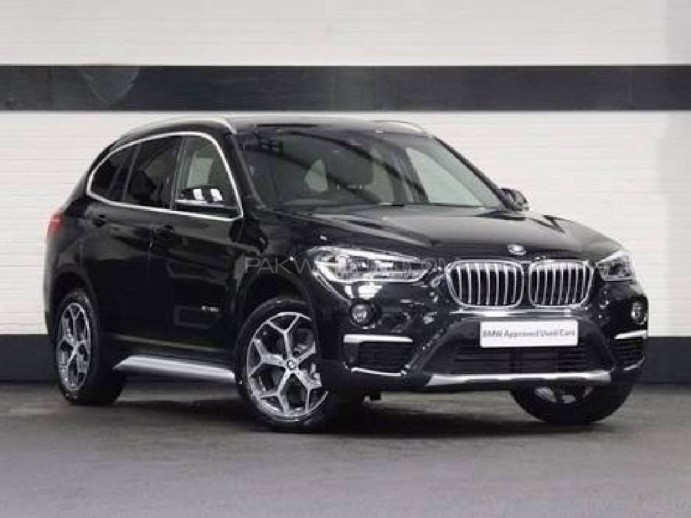 bmw x1 sdrive18i 2017 for sale in lahore pakwheels. Black Bedroom Furniture Sets. Home Design Ideas