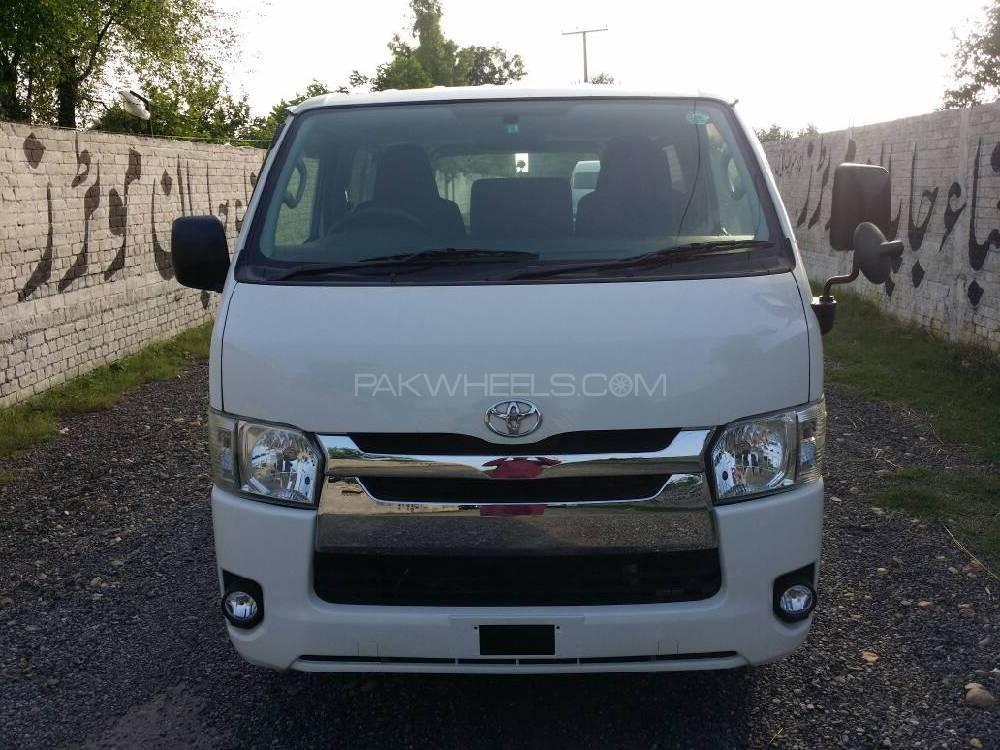 Toyota Hiace Standard 3.0 2013 Image-1