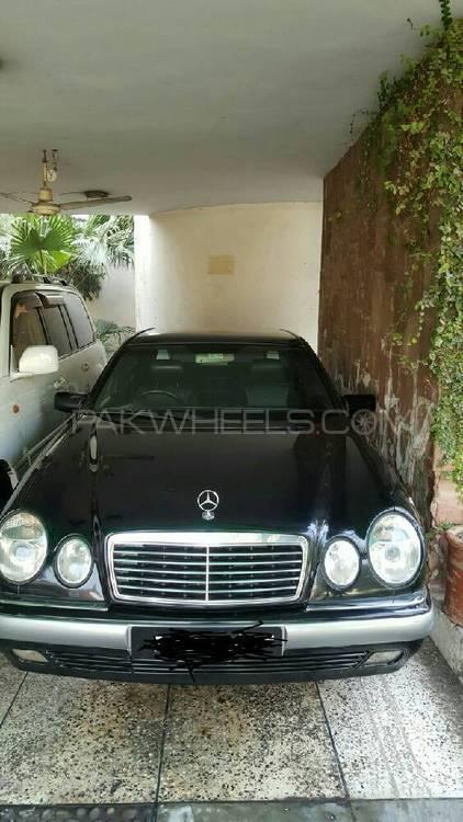 Mercedes Benz E Class E 300 CDI 1998 Image-1