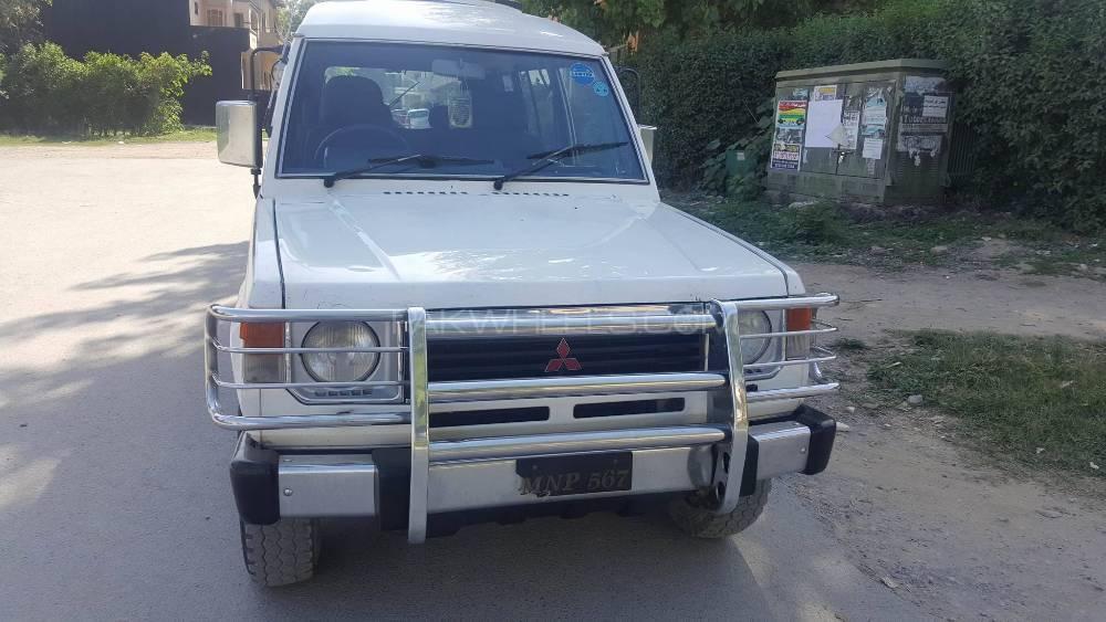 Mitsubishi Pajero 1991 Image-1