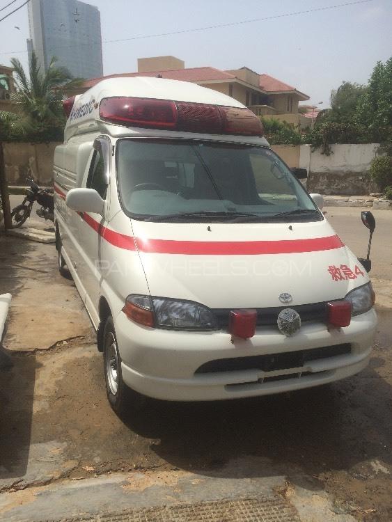 Toyota Hiace Standard Ambulance 3.0  2003 Image-1