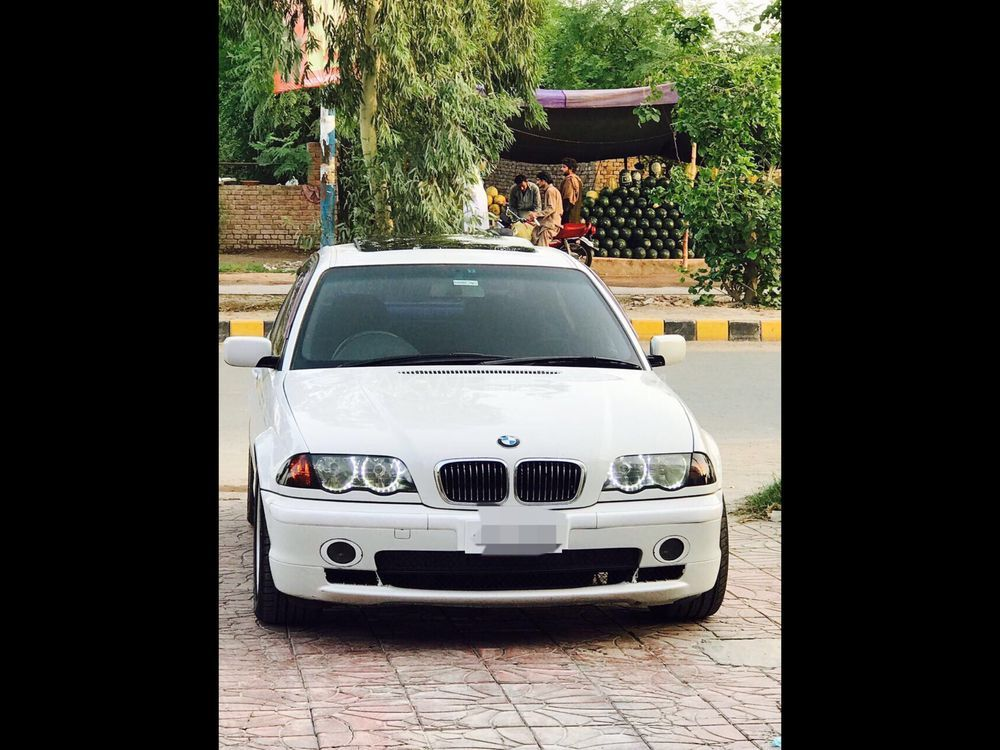 BMW 3 Series 320i 2000 Image-1