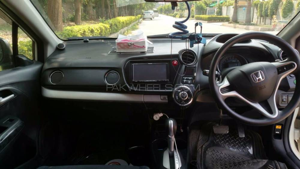 Honda Insight Exclusive 2011 Image-1