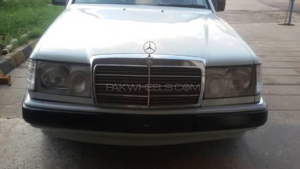 Mercedes Benz E Class E230 1991 Image-1