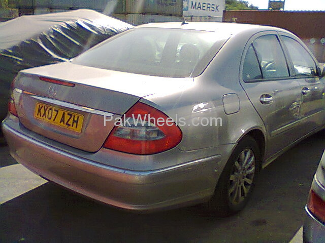 Mercedes Benz E Class E200 2007 Image-4