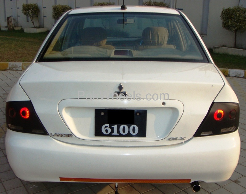 Mitsubishi Lancer GLX SR 1.6 2005 Image-2