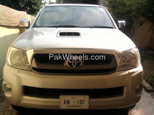 Toyota Hilux 4x4 D/C (Up Spec) 2009 Image-4
