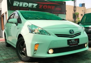 Slide_toyota-prius-alpha-s-l-selection-2014-17613044