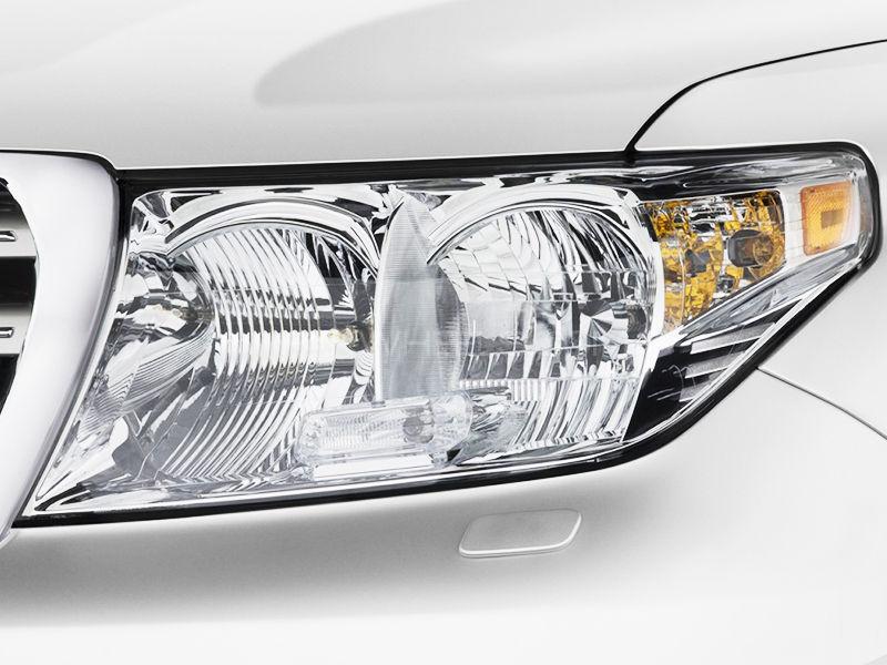 Toyota Land Cruiser 2007-2015 Head Light 1pcs - Genuine in Lahore
