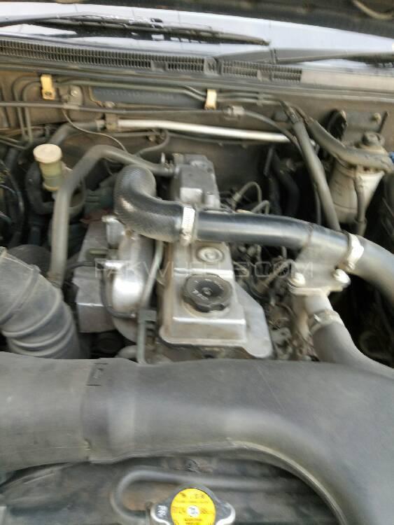Mitsubishi Pajero 2004 Image-1