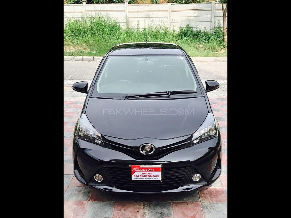 Toyota Vitz F Limited II 1.0 2014 Image-1