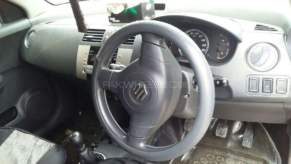 Suzuki Swift DLX 1.3 Navigation  2015 Image-1
