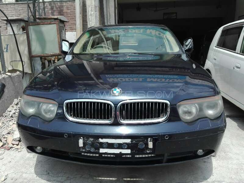 BMW 7 Series 730i 2003 Image-1