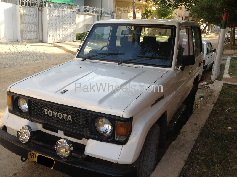 Toyota Land Cruiser 1990 Image-3
