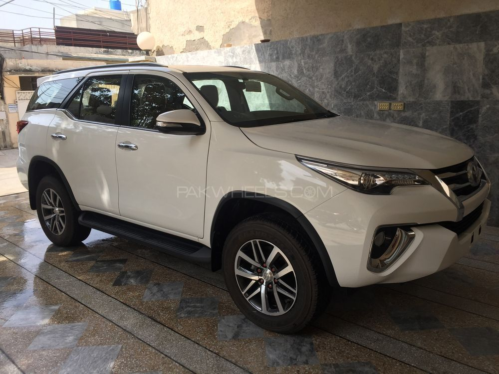 Toyota Fortuner 2017 For Sale In Lahore Pakwheels