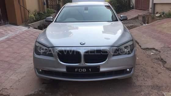 BMW 7 Series 750Li 2010 Image-1