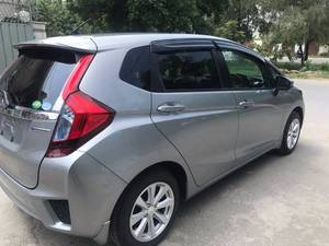 Slide_honda-fit-hybrid-l-package-2015-18322764
