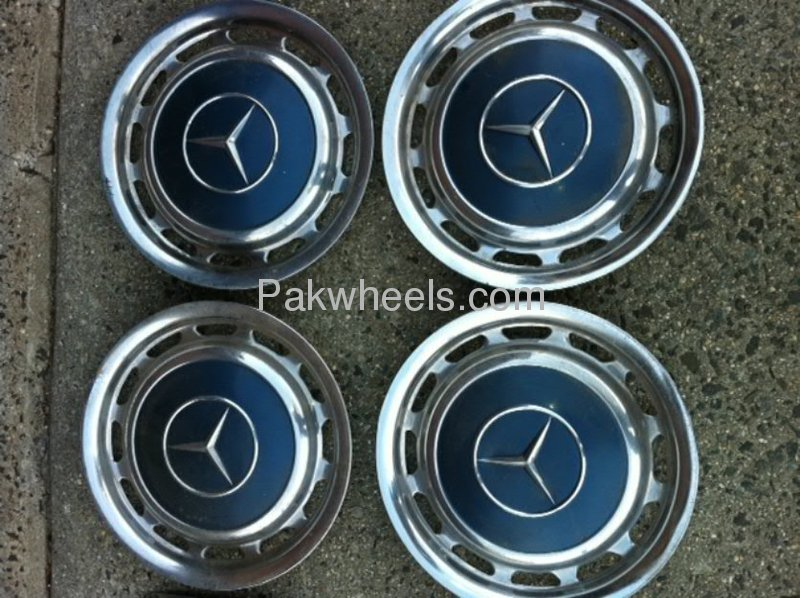 Mercedes benz rim covers old model for sale in lahore for Mercedes benz wheel covers