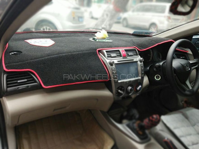 Honda City 2009-2017 Black Red Dashboard Mat in Lahore