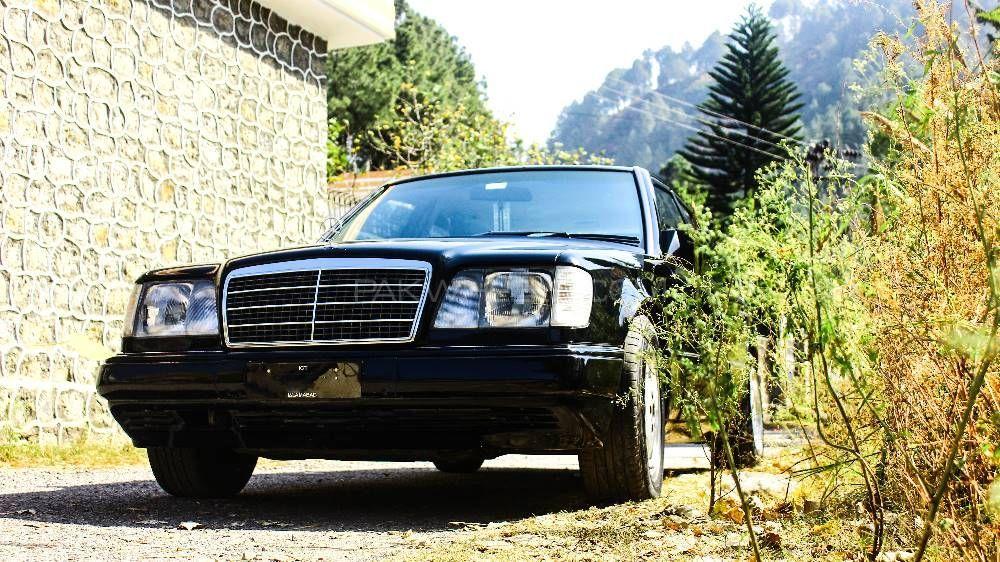 Mercedes Benz E Class 1995 Image-1