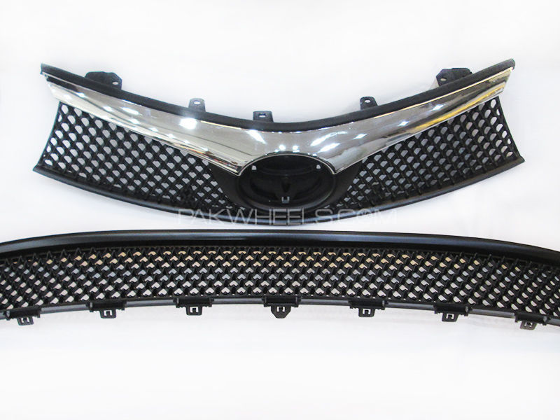 Toyota Corolla Front Grill Black & Chrome - 2014 - 2018 in Lahore