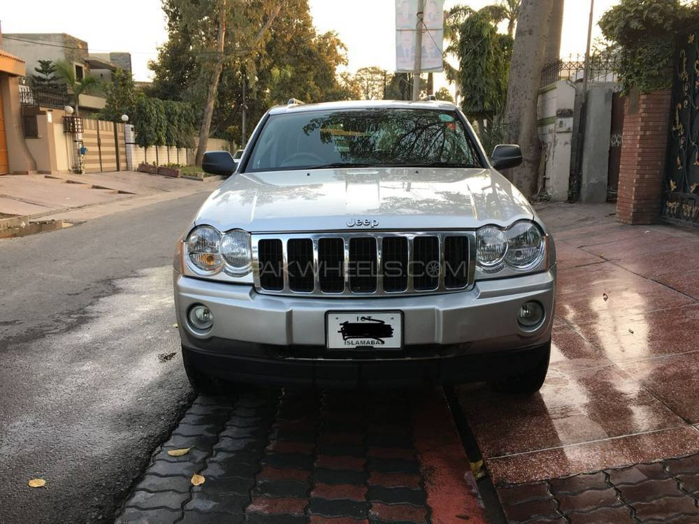 Jeep Cherokee 2005 Image-1