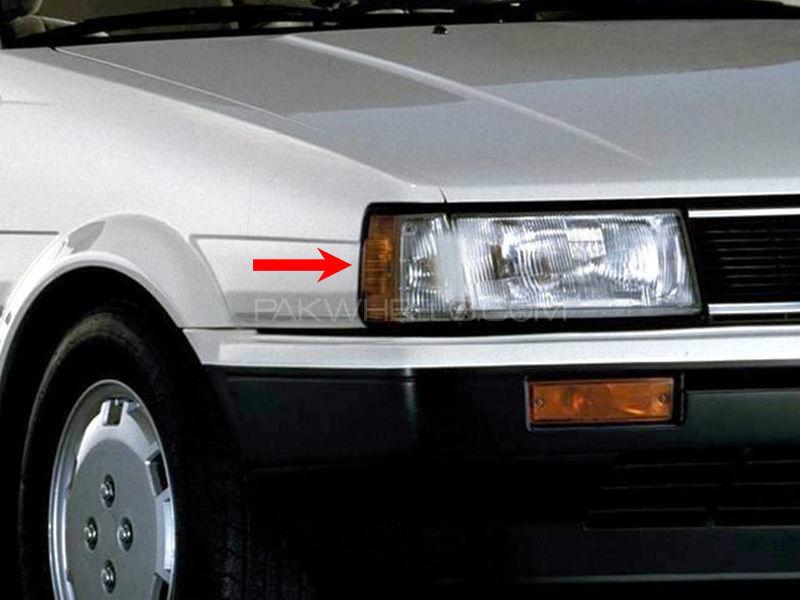 Toyota Corolla TYC Parking Lamp 1986 - 1 Pc RH Image-1