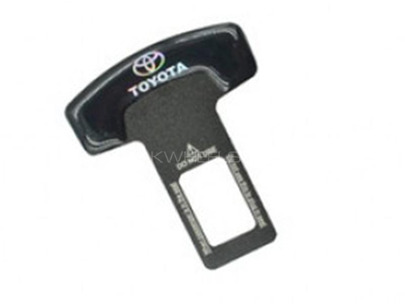 Toyota Seat Belt Clip - BlackToyota Seat Belt Clip - Black in Karachi