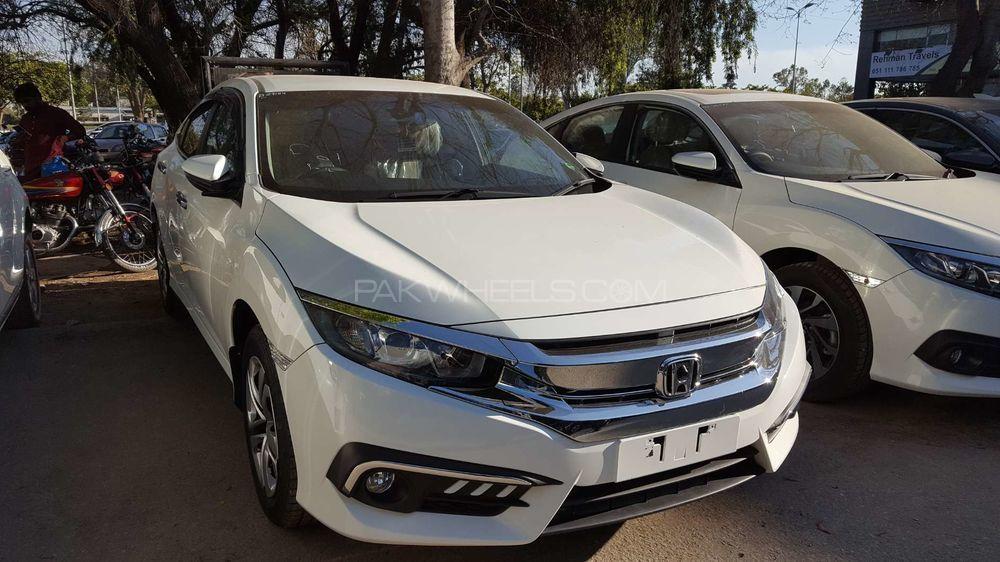 Honda Civic 1.8 i-VTEC CVT 2018 Image-1
