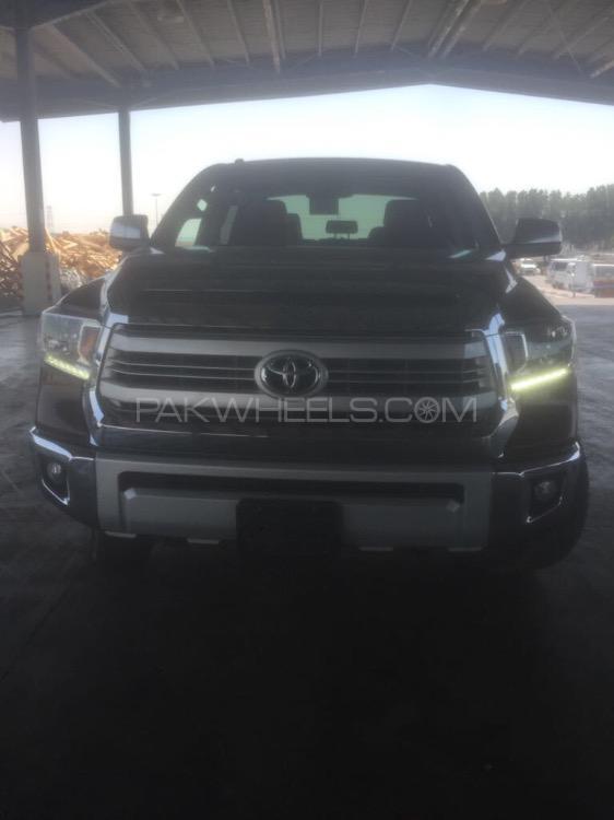 Toyota Tundra 2015 Image-1
