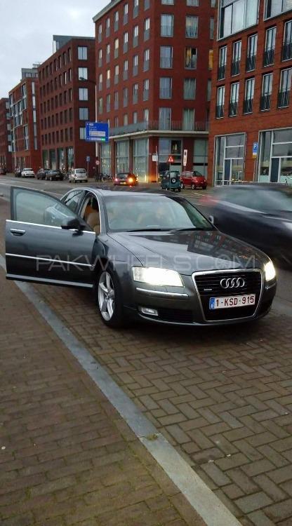 Audi A8 2008 Image-1