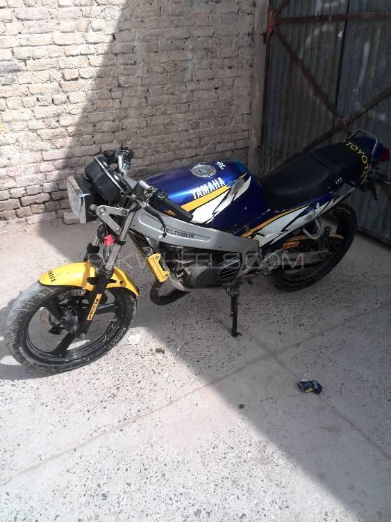 Yamaha YBR 125 1995 Image-1