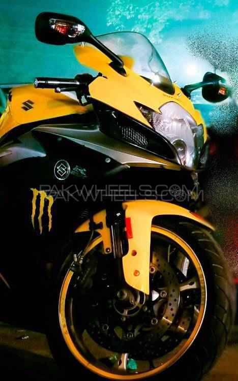 Yamaha YZF-R1 2006 Image-1