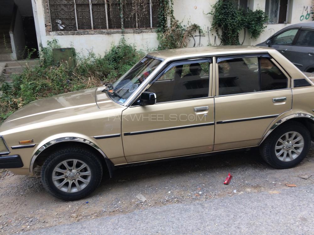 Toyota Corolla SE Saloon 1982 Image-1