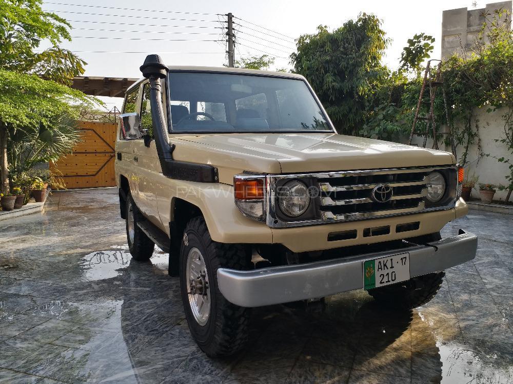 Toyota Land Cruiser 1987 Image-1