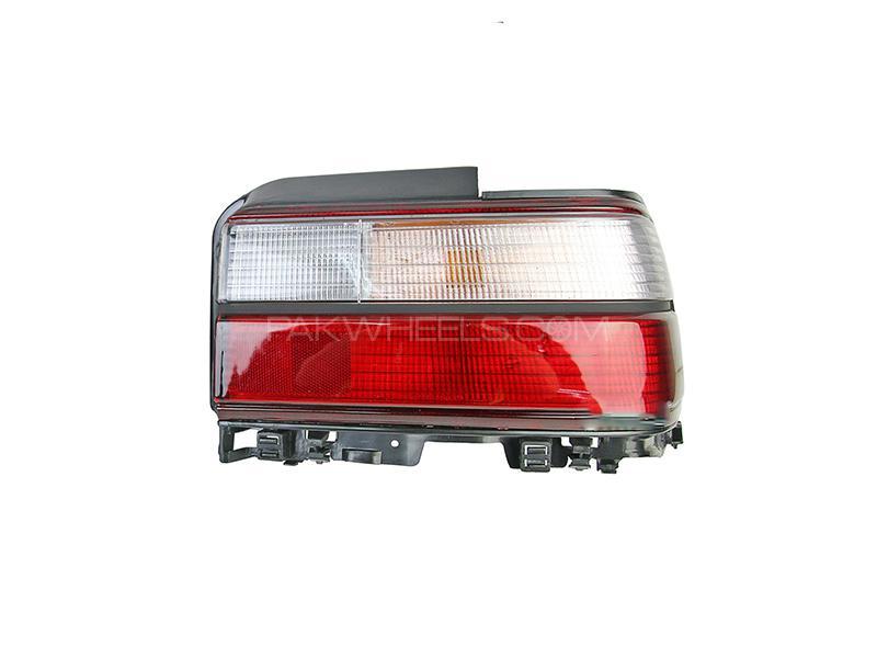 Toyota Corolla Indus Back Light RH Taiwan GS Image-1