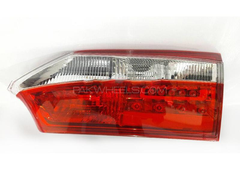 Toyota Corolla 2014-2016 RH Inner Back Light Taiwan GS  in Lahore