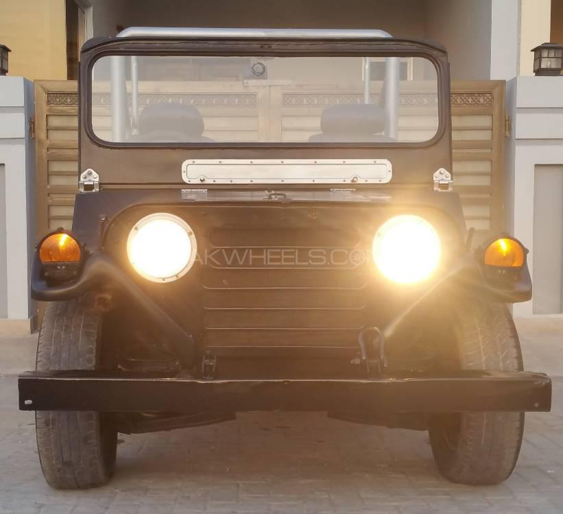 Jeep M 825 1980 Image-1