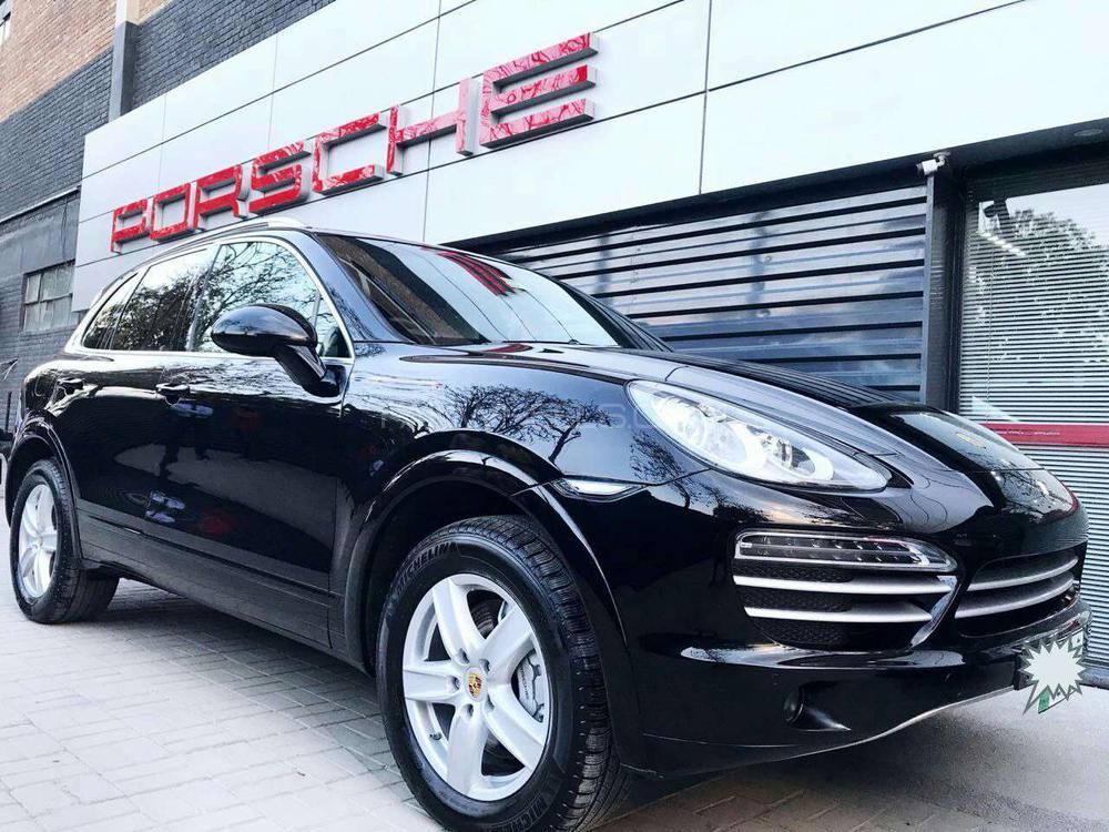 Porsche Cayenne 2012 Image-1