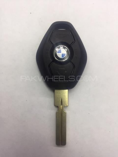 Brand New BMW Series 3 5 7, Z3 3 Button Remote Case Shell with Cuttin Image-1