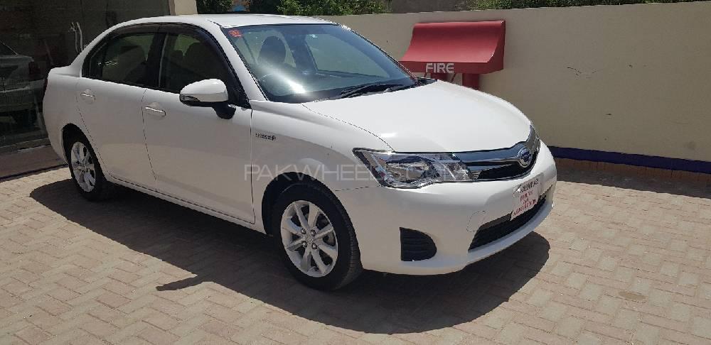 Toyota Corolla Axio 2014 Image-1