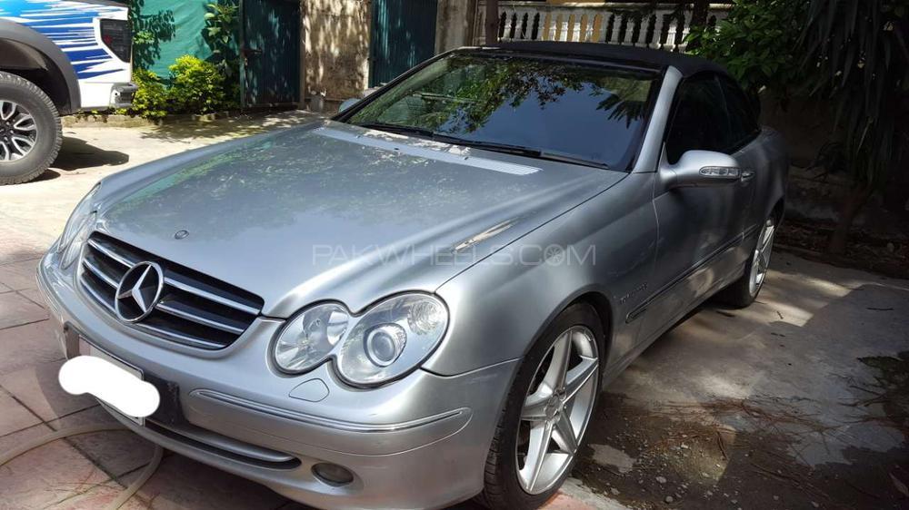 Mercedes Benz CLK Class 2004 Image-1