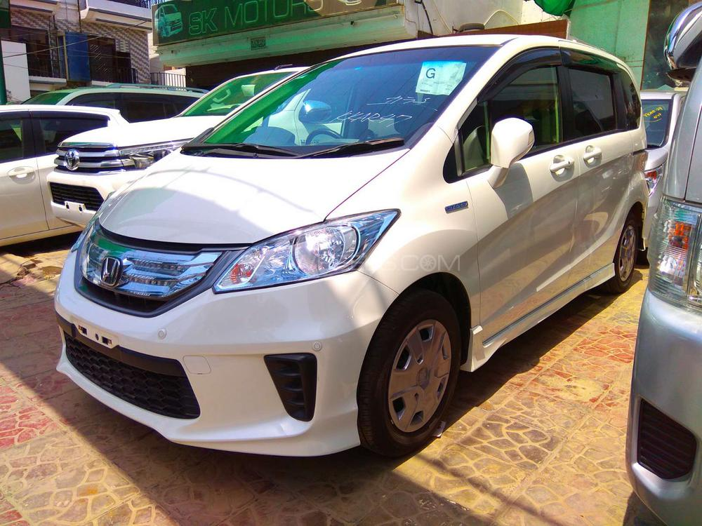 Honda Freed 2013 for sale in Lahore | PakWheels