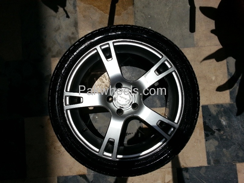 18 inch rims and tyres for sale for sale in karachi car accessory 772784 pakwheels. Black Bedroom Furniture Sets. Home Design Ideas