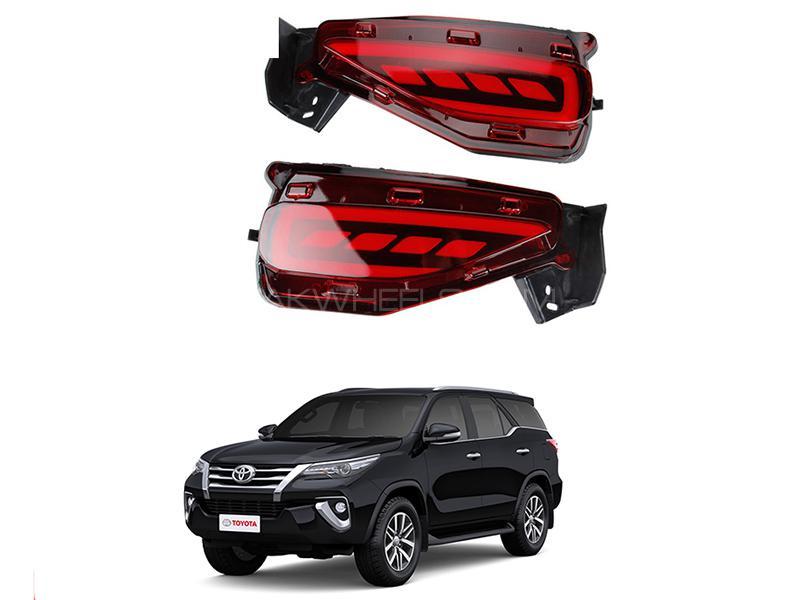 Toyota Fortuner 2016-2018 Bumper Reflector Image-1