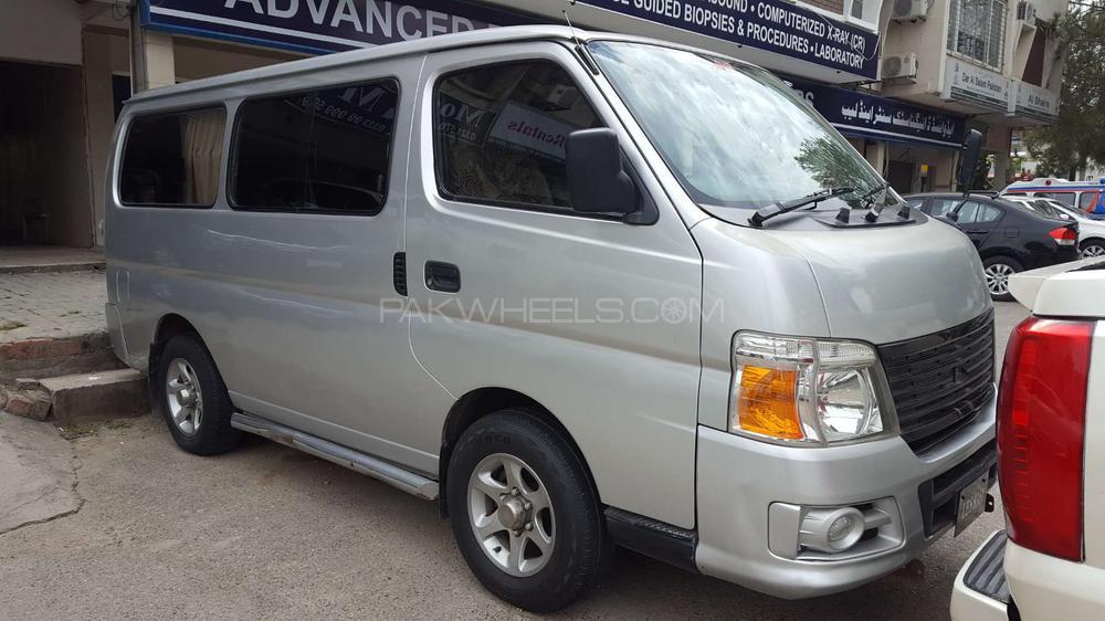 Nissan Caravan 2010 Image-1