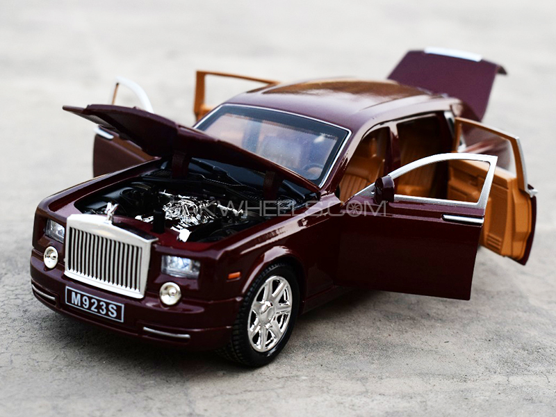 KinSmart Metal Body Die Cast Rolls Royce Phantom - Brown Image-1